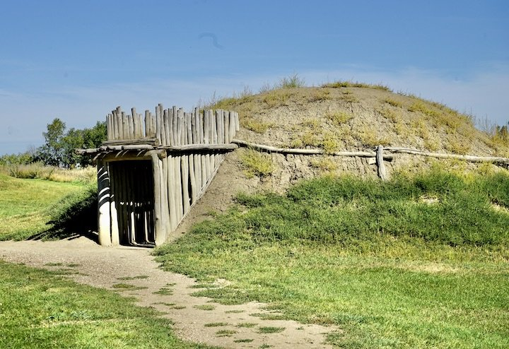 Earthlodge at Fort Lincoln